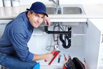 Un plombier agréé réalisera une réparation évier de qualité