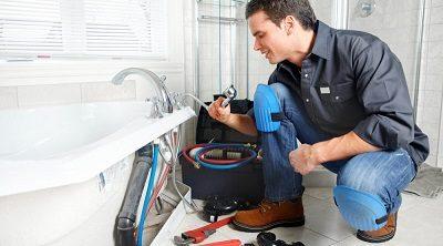Fuite baignoire: une réparation urgente grâce à un plombier disponible sur la zone de Bruxelles